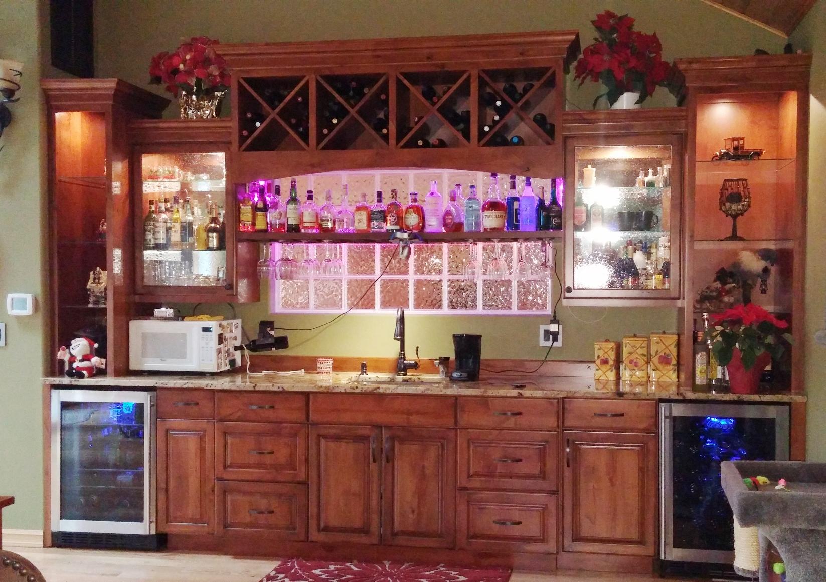 Warm Kitchen + Wet Bar
